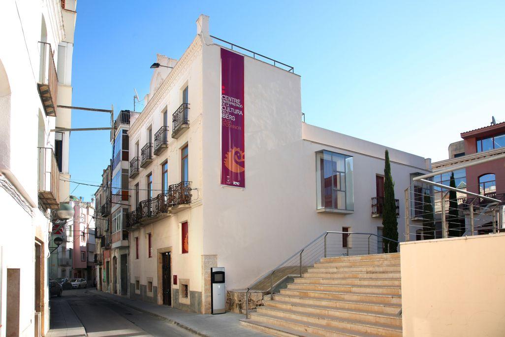 Façade of the Casa O'Connor, the home of the Culture of the Iberians Interpretation Centre.