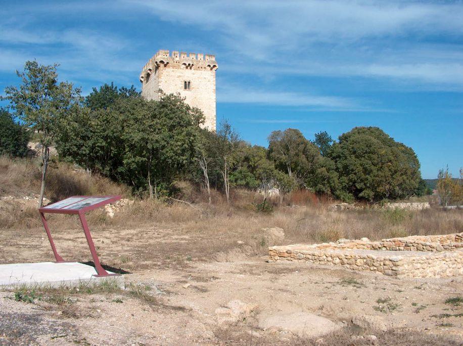 Villa romana e torre dera Carrova, plaçada ena val der Ebre entre Amposta e Tortosa.