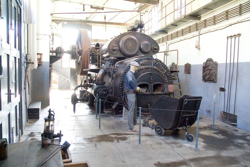 Máquina de vapor locomóvil semifija Wolf (1906) en el emplazamiento original