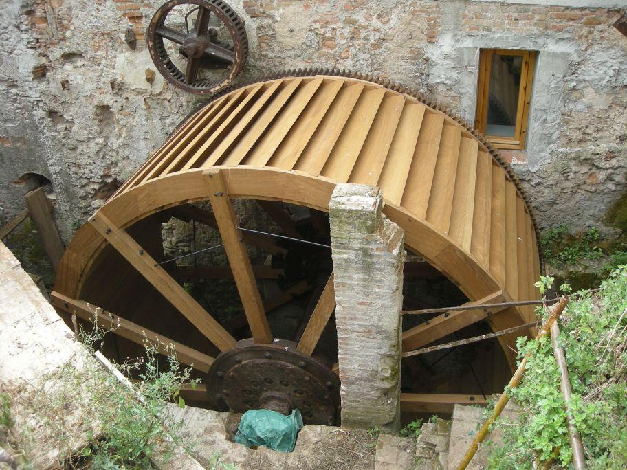 La roda hidràulica del molí de Sant Oleguer