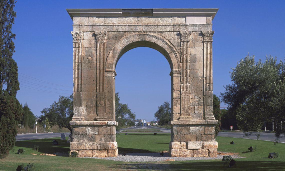 Vista general de l'arc de Berà (Roda de Berà).