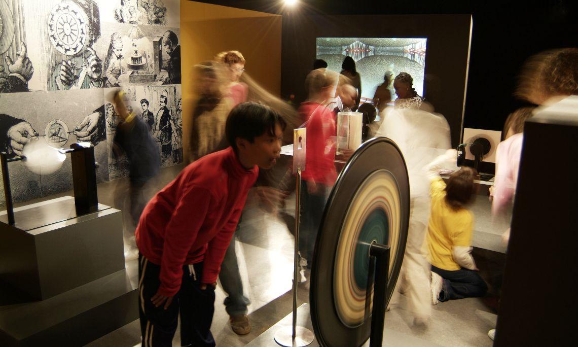 Vista der encastre 'La imatge pren moviment' dera exposicion permanenta deth Museu del Cinema. Foto: J.M. Oliveras