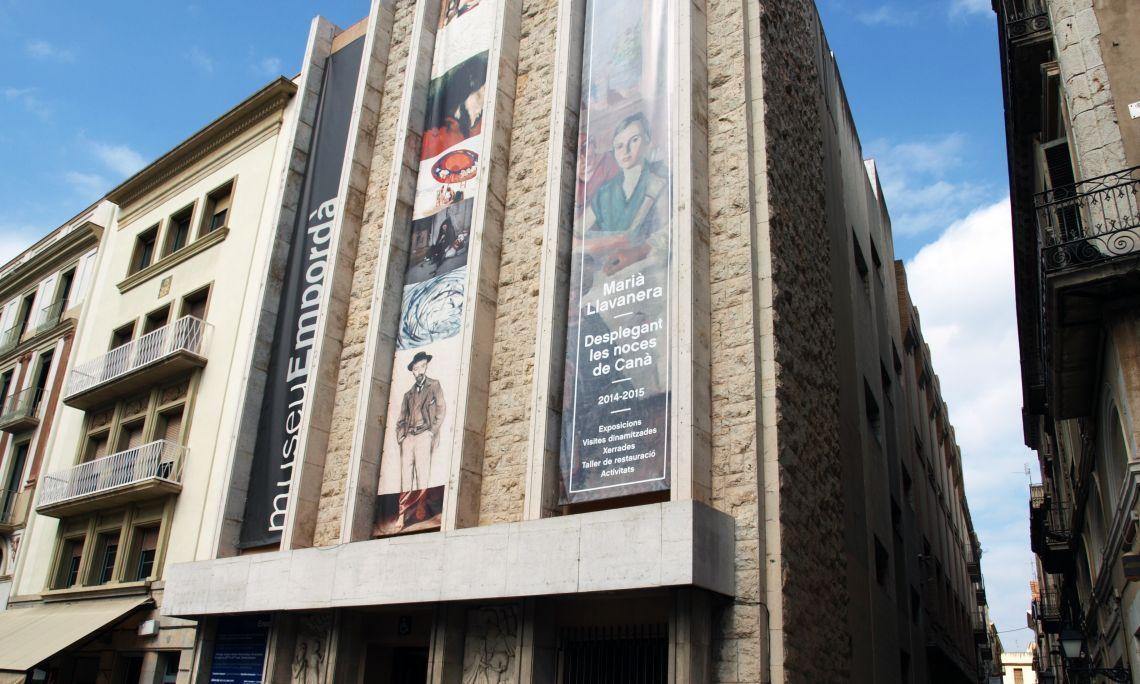 El Museu de l'Empordà és a la placeta baixa de la Rambla