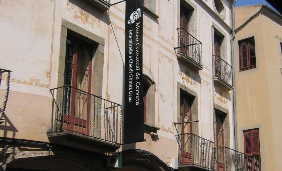 Detail of Casa Duran's main façade, main site of the Local District Museum of Cervera. MCC. Photo: Jordi Prat.