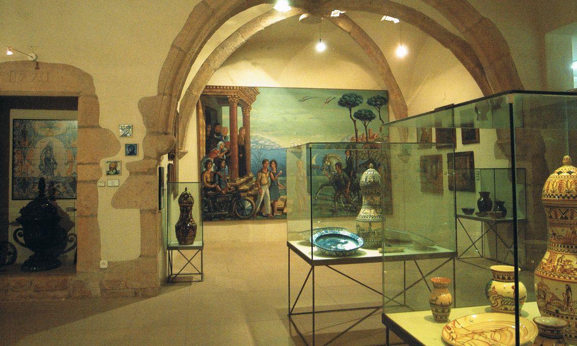 Eth Museu Municipal Josep Aragay consèrve ua part importanta dera òbra d'aguest artista e teorizador deth naucentisme.
