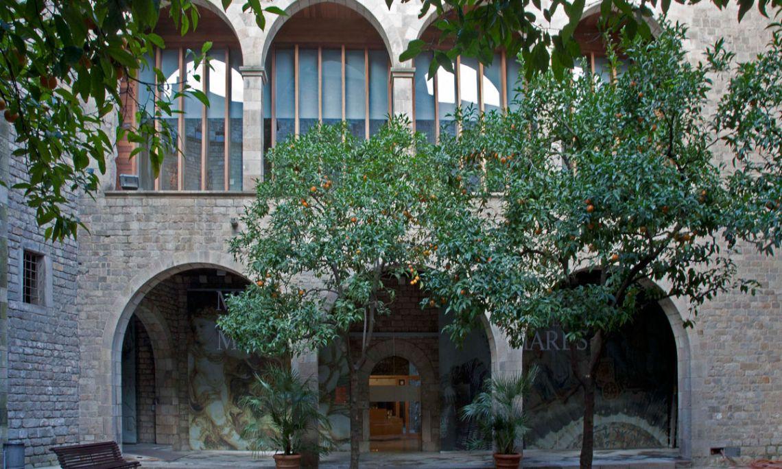 Cour intérieure de l'entrée du Musée Frederic Marès. ©Museu Frederic Marès. Photo: Rosa Feliu