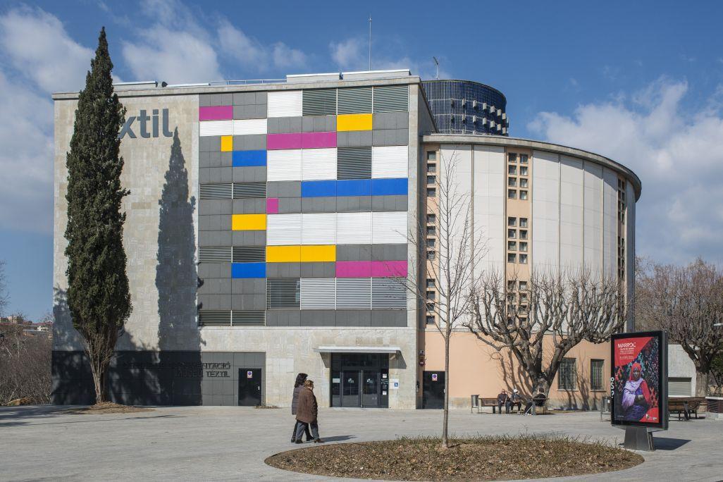 Façana del CDMT. Plaça dels Museus. Fotografia de Quico / CDMT.