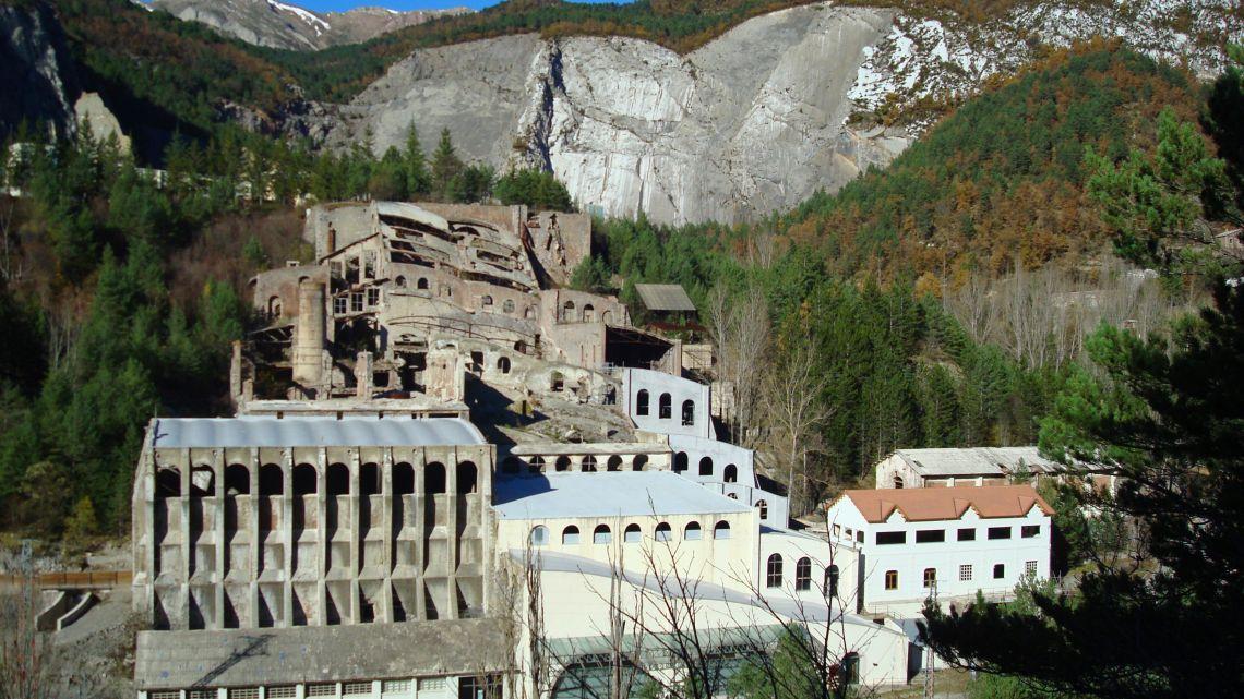 Castellar de n'Hug Cement Museum