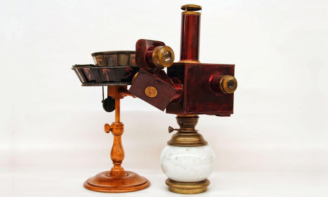 Praxinoscope projector. Émile Reynaud (1882). Photo: MdC.