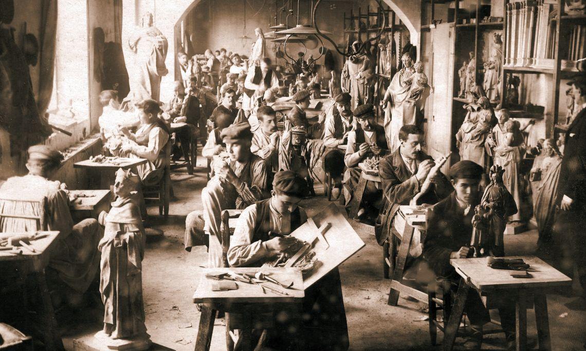 Imatge del taller El Arte Cristiano (1896-1906). Arxiu Comarcal de la Garrotxa. Servei d'Imatges.