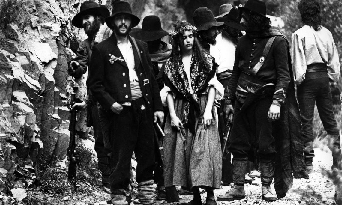 Photogramme du film La punyalada (Le Coup de poignard), inspiré du roman de Marian Vayreda.