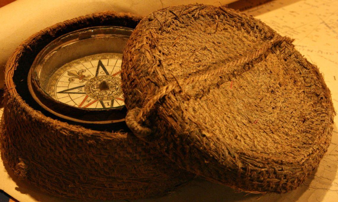 Aguja o brújula de un pescador de principios del siglo XIX.
