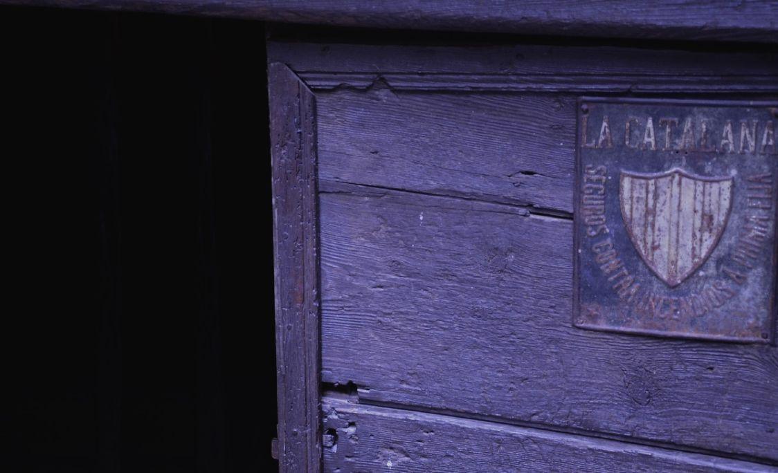 Porta principal d'accés a Casa Gassia.