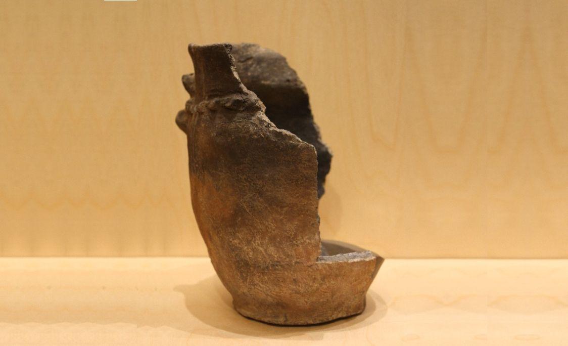 Urne cinéraire d'Unhòla, âge du fer, 800-600 av. JC.