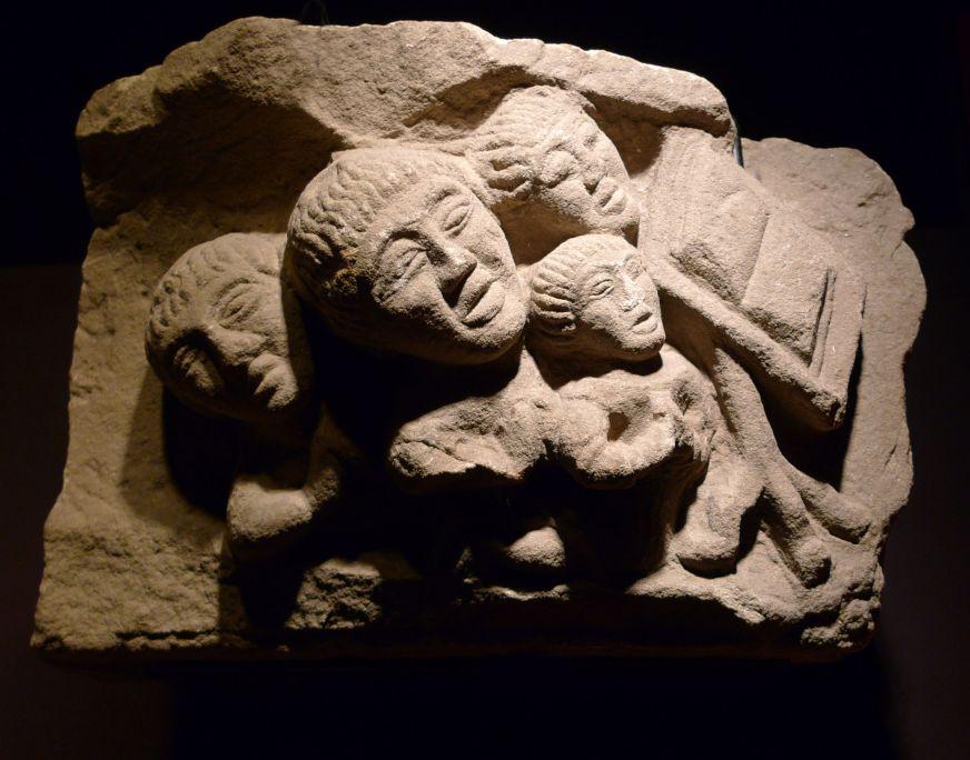 Mènsula, anònim, segle XV, pedra calcària, 24 × 36,5 × 30 cm. Foto: MDG