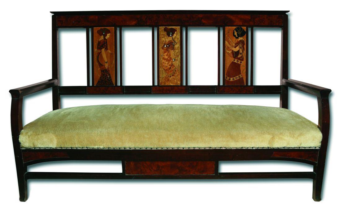 Banc modernista, Gaspar Homar i Mesquida, amb la col·laboració de Josep Pey i Sebastià Junyent, c. 1905, fusta de caoba, amb marqueteria d'embotit policroma, 106 × 164 × 62 cm