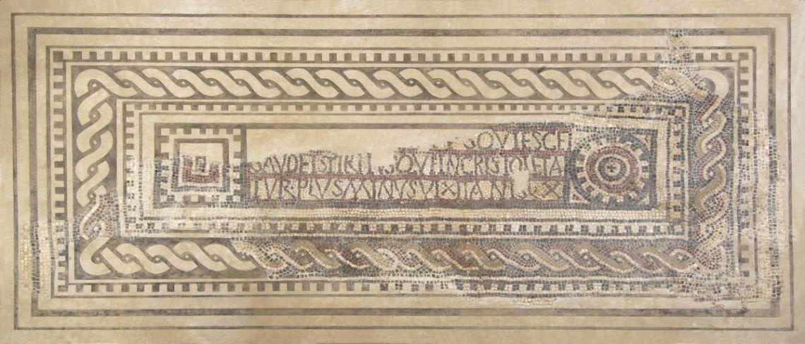 Lauda sepulcral amb mosaic d'època tardoromana