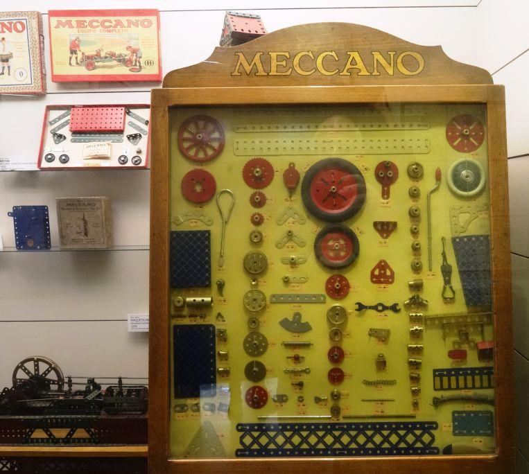 Les peces de Meccano eren de color níquel. El 1926 s'hi van incorporar verd i vermell, i el 1934, blau, groc i daurat. Foto: © MJC