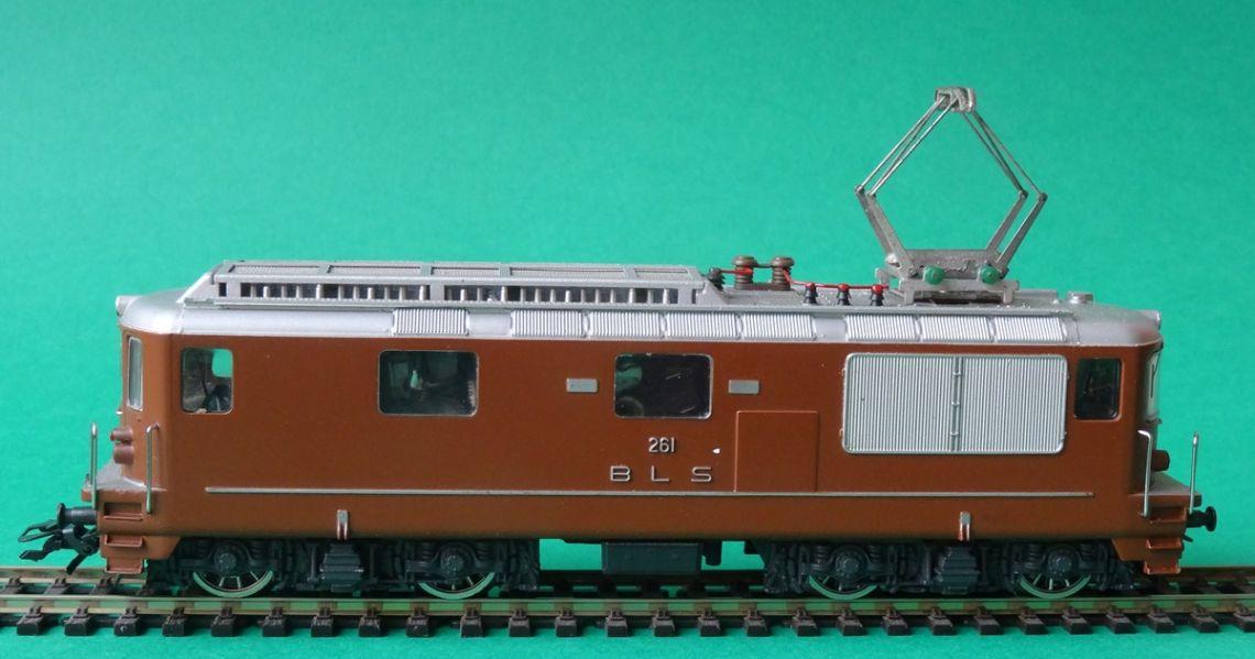 La locomotora HAG ref. núm. 181 reproduce la Re 4/4 de la suiza BLS. Foto: © MJC