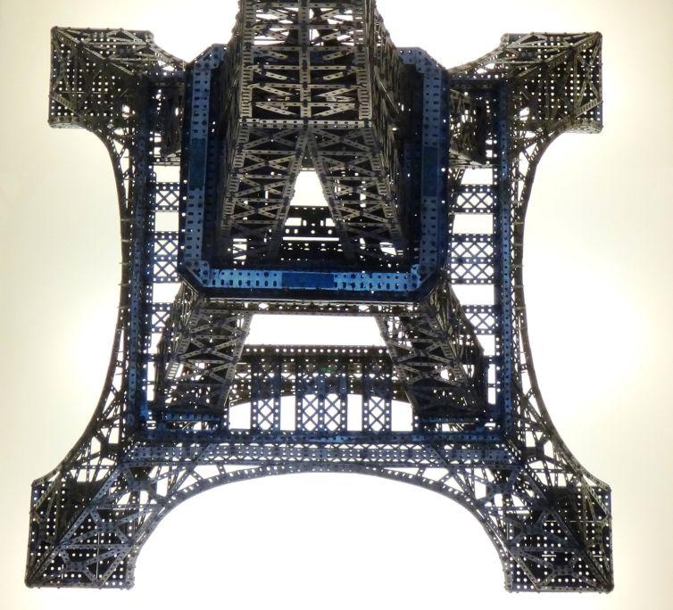 La torre Eiffel de Meccano, construïda per Palouzíe i Poch, bon reclam de vendes del producte. Foto: © Jordi Puig