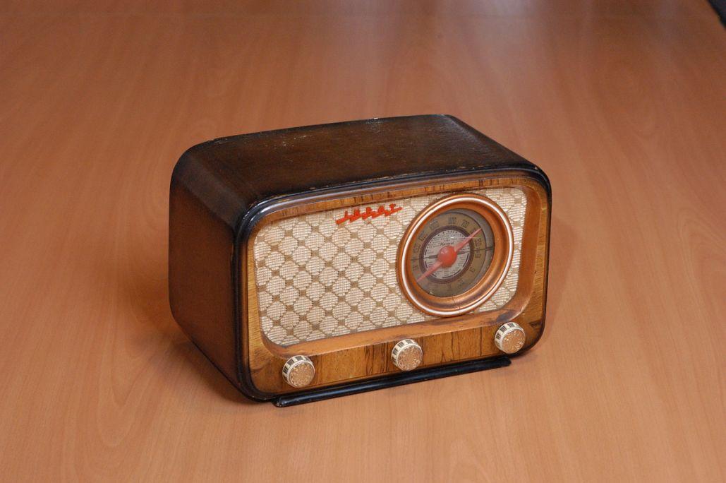 Aparell de ràdio, c. 1920. Dipòsit del Museu Nacional de la Ciència i de la Tècnica, Terrassa © de la foto: Museu d'Història de Catalunya (Pep Parer)