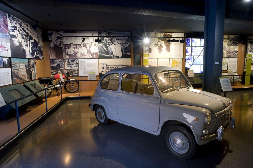 Seat 600, dissenyat per l'enginyer Dante Giacosa (1905-1996), 1957. Dipòsit de Seat, SA. © de la foto: Museu d'Història de Catalunya (Pep Parer)