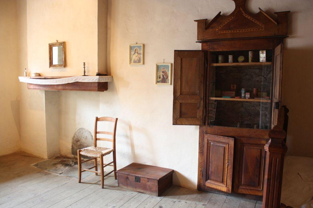 Le nom et les caractéristiques des meubles des chambres dépendaient de la personne qui y dormait