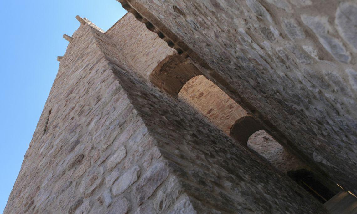 Tour du Xe siècle d'où l'on faisait des signaux de fumée pour prévenir la population de dangers imminents