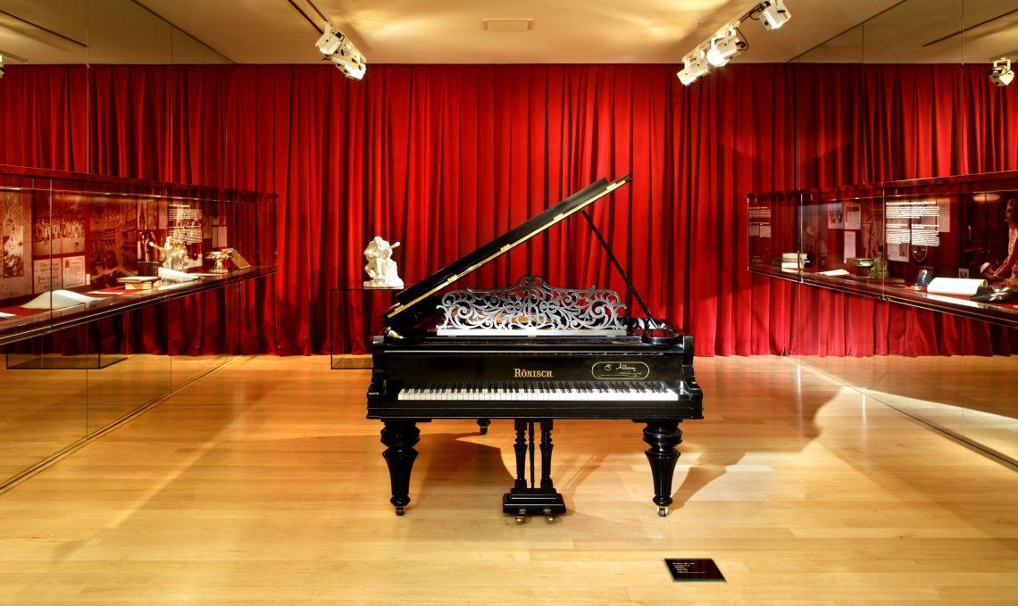 Piano de cua Carl Rönisch (Dresden, Alemanya), c. 1905. © Rafael Vargas