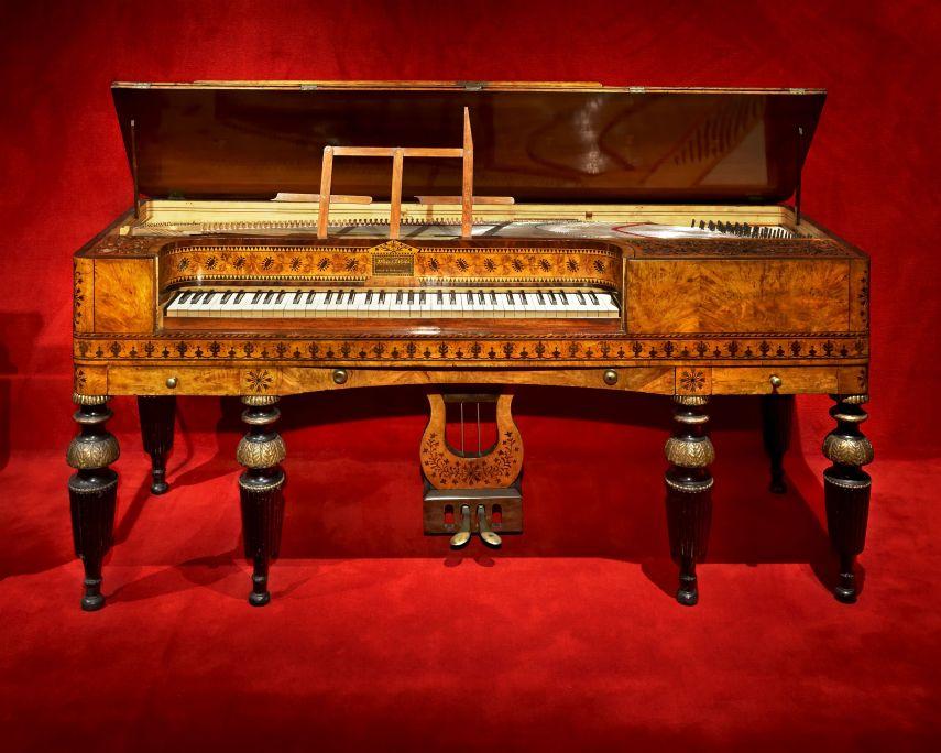 Piano-forte Miguel Slocker (Madrid),1831. © Rafael Vargas