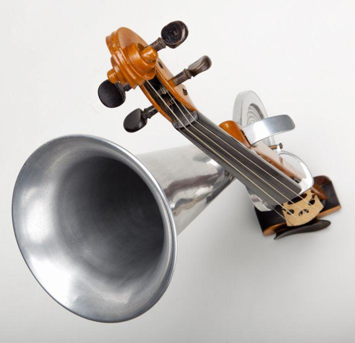 Violí de botzina. CompagnieFrançaise du Gramophone, c. 1900. © Rafael Vargas