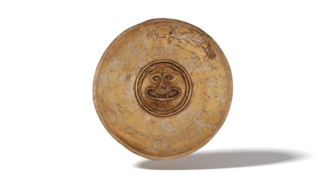 Fíala o plat ritual procedent del Castellet de Banyoles (Tivissa). Datada entre 250/225 aC i 195 aC.
