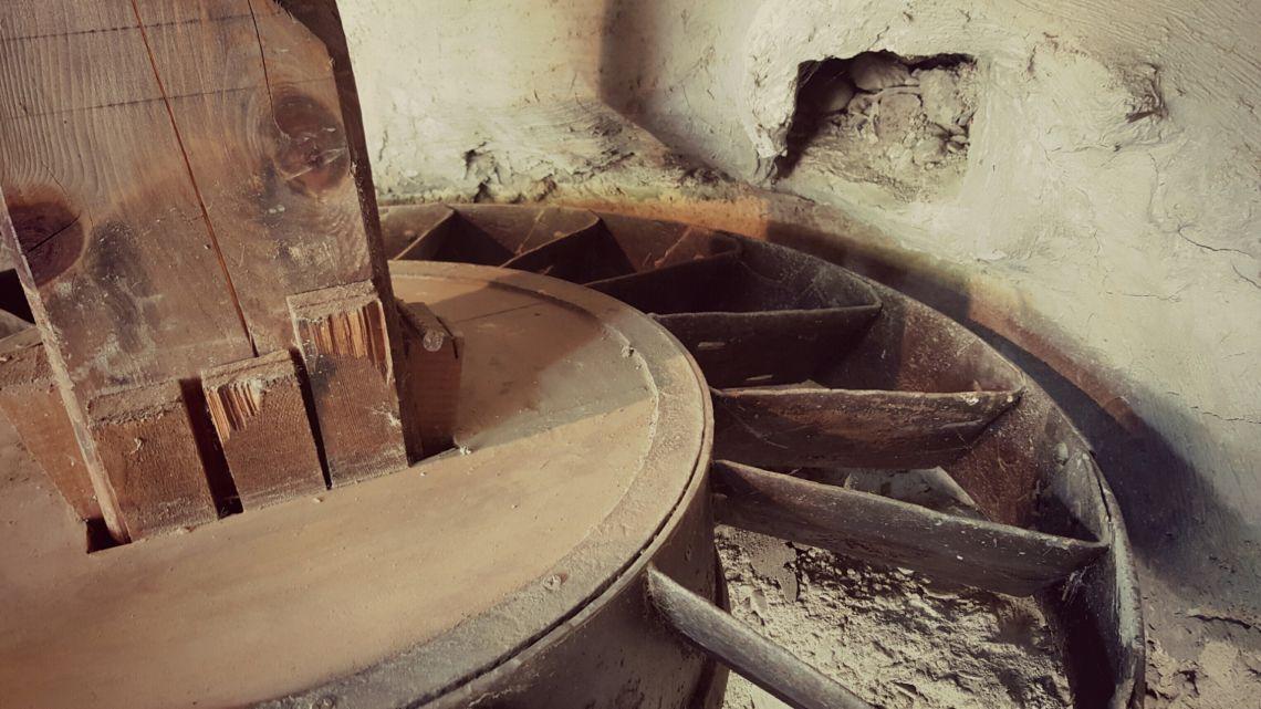Les aubes étaient l'élément le plus important du rouet. Leur fonctionnement dépendait de leur inclinaison