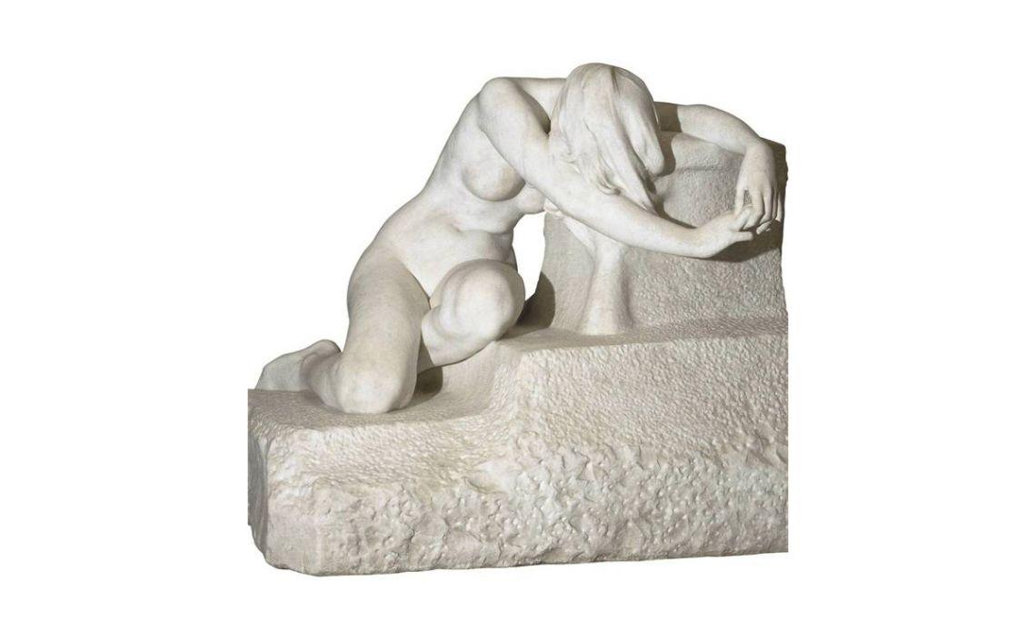 Desconsuelo,Josep Llimona, 1907.Talla en mármol,66,4 x 78,8 x 68,8 cm.