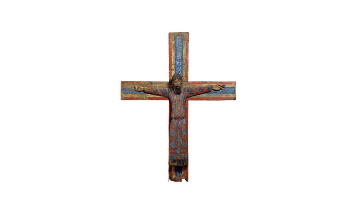 Majestad Batlló, Anónimo, mediados del siglo XII. Talla en madera de nogal (cabeza y cuerpo), sauce (brazo derecho), olmo (madero de la cruz) y encina (travesaño de la cruz) entelada parcialmente y policromada al temple,156 x 119,5 x 20,5 cm.