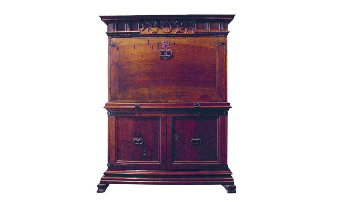 Secrétaire, dernier quart du XVIe siècle-début du XVIIe, Castella, noyer, pin et peuplier, et fer forgé.