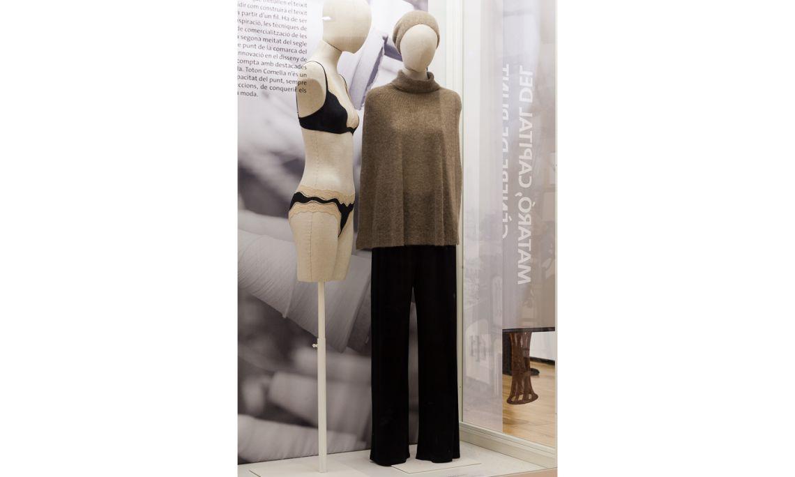 Ensemble de vêtements TCN 2014 Collection d'hiver Toton Comella de 2014 (Barcelone) Photo: Eusebi Escarpenter. Musée de Mataró
