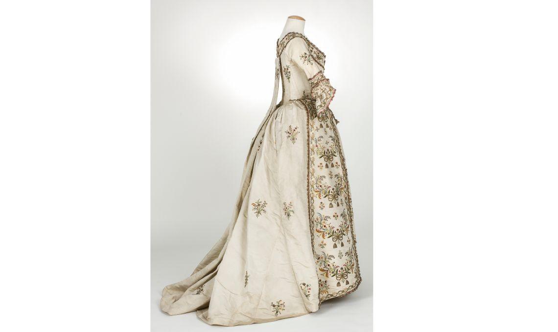 Vestit en otomà de seda, c.1770/1790. Foto Quico/CDMT