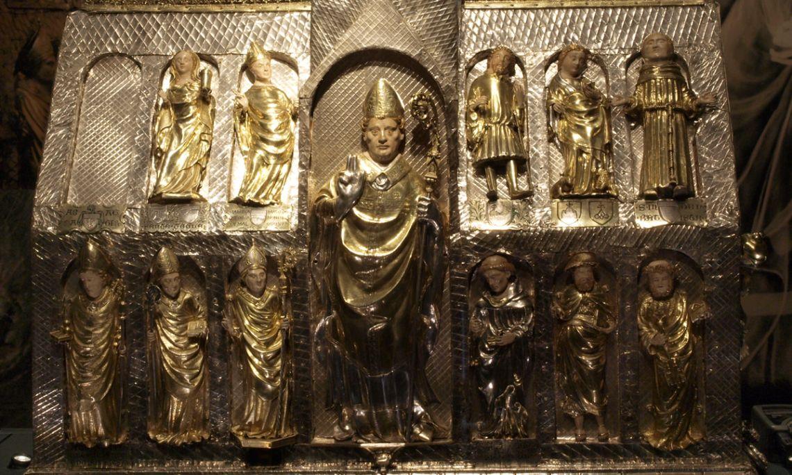 Detall frontal de l'arqueta de Sant Martirià una vegada restaurada
