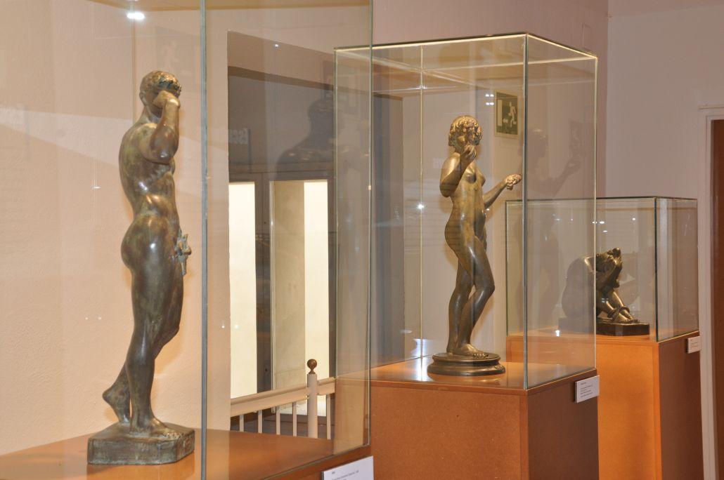 Part dera òbra escultorica d'Antoni Alsina Amils.