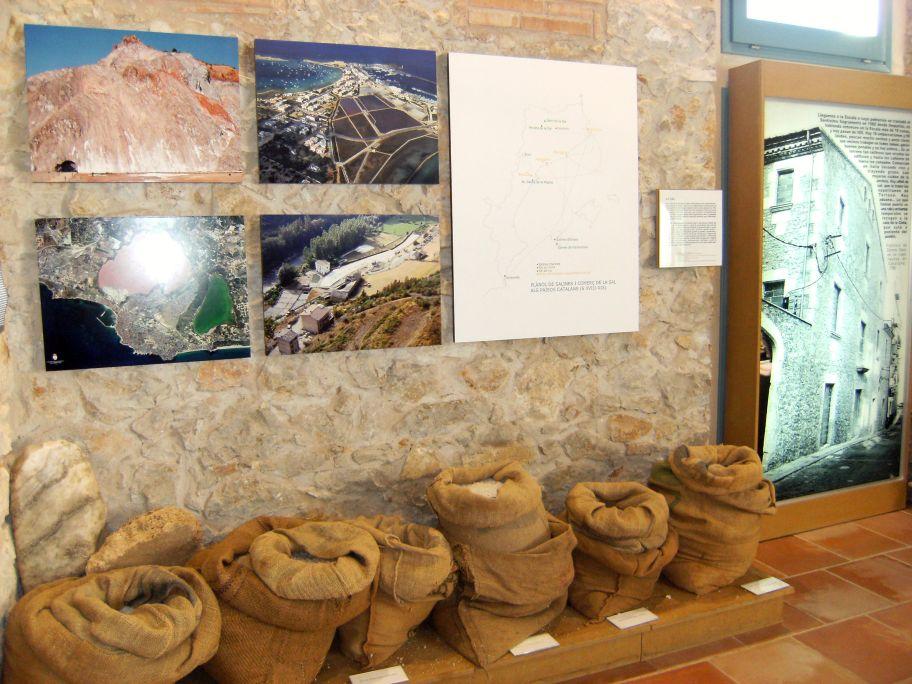 Sal de diverses salines dels Països Catalans, plànol del comerç de la sal i l'edifici de l'Alfolí.