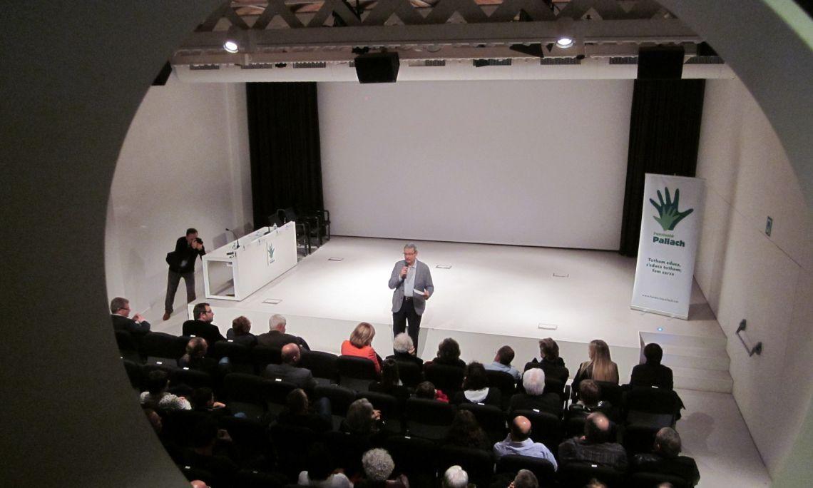 L'auditori Miquel Vincke & Meyer en un dels seus múltiples actes. Arxiu d'Imatges del Museu del Suro de Palafrugell.
