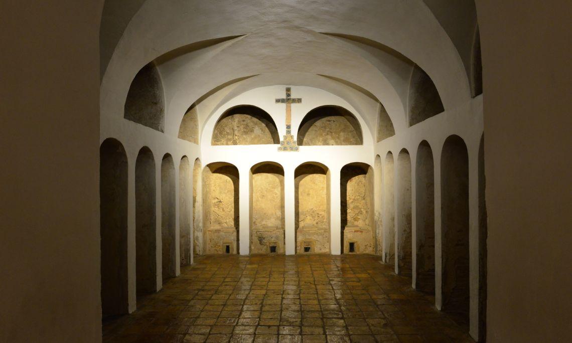 El cementiri o dessecador de l'antic convent de Sant Antoni de frares caputxins, del segle XVIII. Fotografia de Kim Peravalsky.
