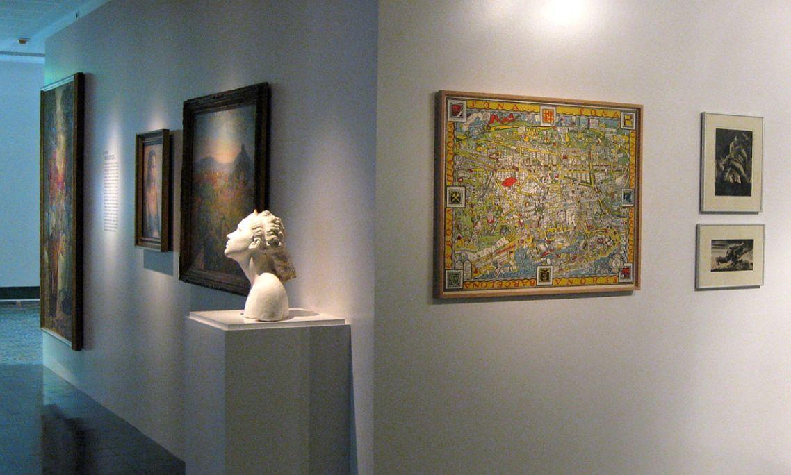 Detall de la sala dedicada a la colònia noucentista