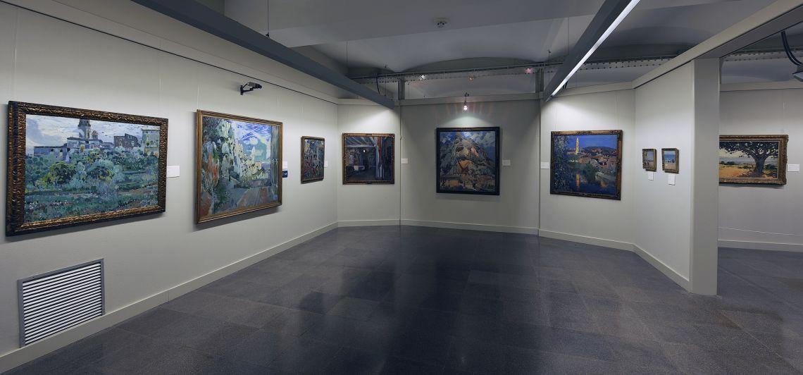 Una de las salas de pintura moderna.