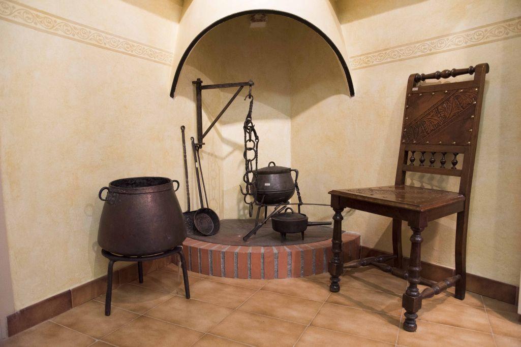 Les llars de foc es van convertir en els centres familiars de les cases de pagès i masies