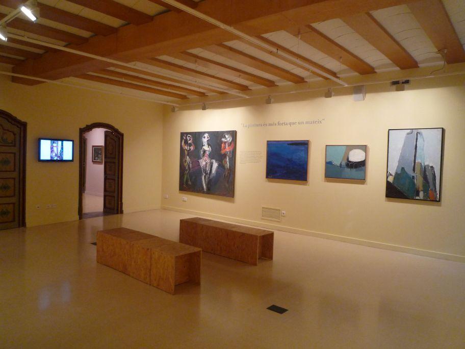 La composición es la ingeniería racional de las obras de Muxart, independientemente de la temática o la contundencia expresionista del gesto cromático
