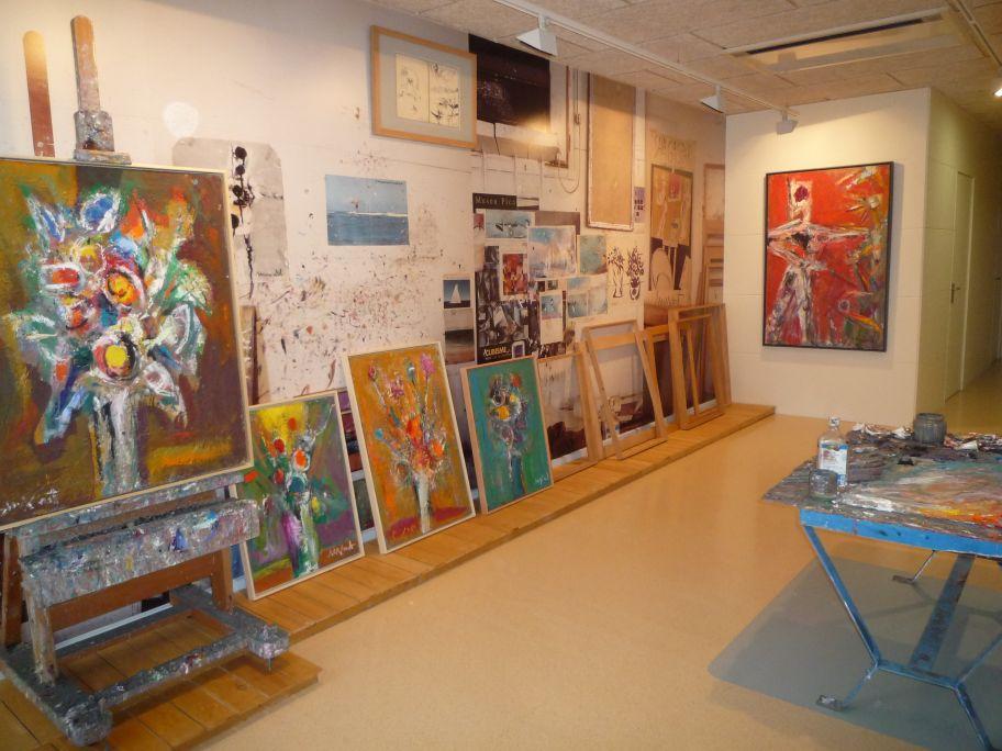La cambra de treball és el lloc del procés creatiu. Pintar no és fer una obra sinó una forma de viure