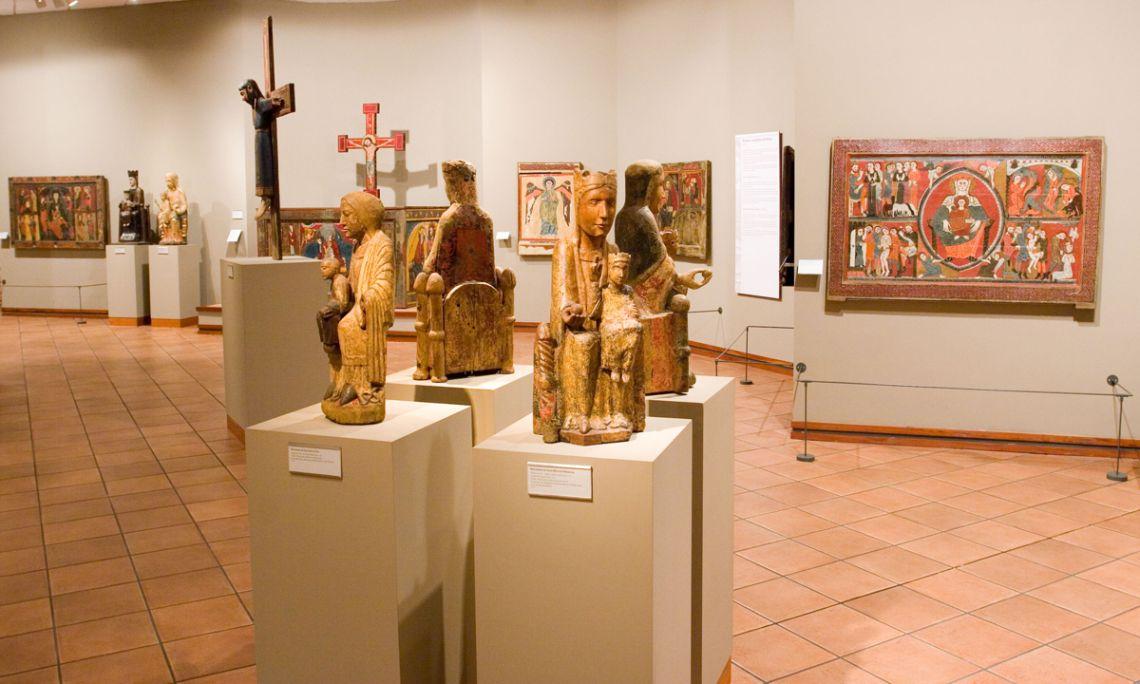 Salle de peinture et sculpture romanes du Musée Épiscopal de Vic