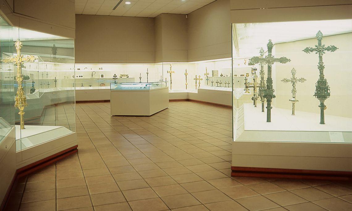 Sala d'orfebreria i arts del metall del Museu Episcopal de Vic